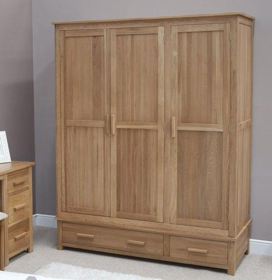 Homestyle GB Opus Oak 3 Door 2 Drawer Wardrobe