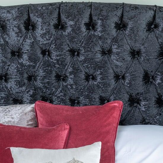 Urban Deco Buckingham Black Velvet 4ft 6in Double Bed